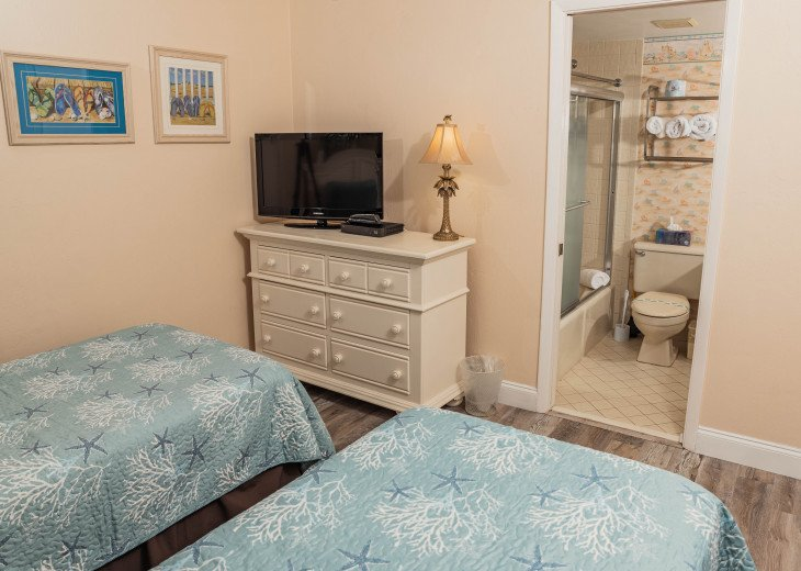 Oceanfront Sand Dollar CONDO 2/2 - Awesome views-Free WiFi - Beachfront Pool. #23