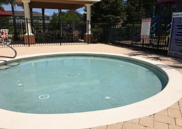 Lovely 4 BR 2.5 bath townhouse with lakeview in a gated community near Disney #5