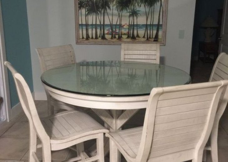Beautiful new wood dining table with high top chairs