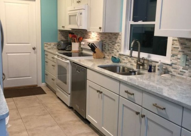 Another kitchen picture - now has a double oven stainless stove/microwave