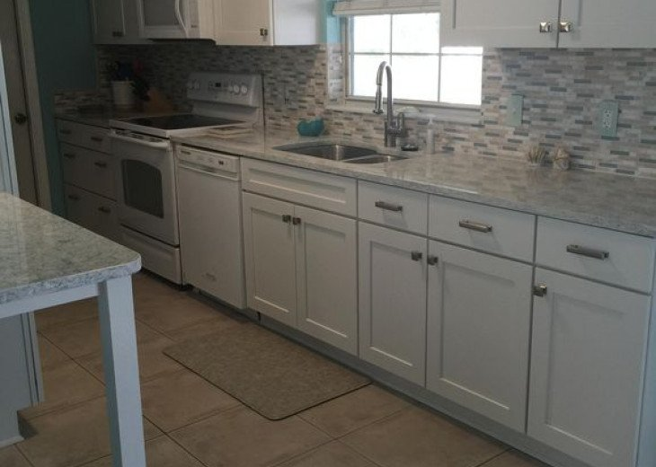 Stainless appliances (not shown in this picture)