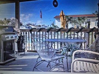 Bar B Que Area near pool
