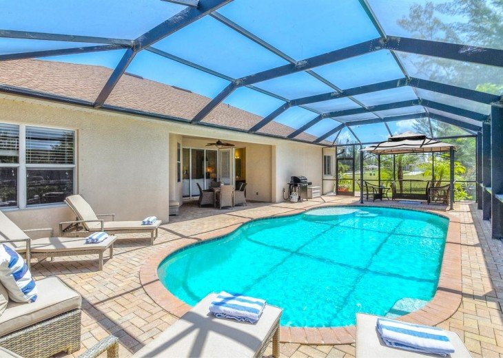 4 Bedroom and 2 Bathroom Home with heated Pool on Water SOUTH FACING #8