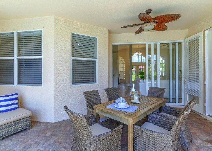 4 Bedroom and 2 Bathroom Home with heated Pool on Water SOUTH FACING #6