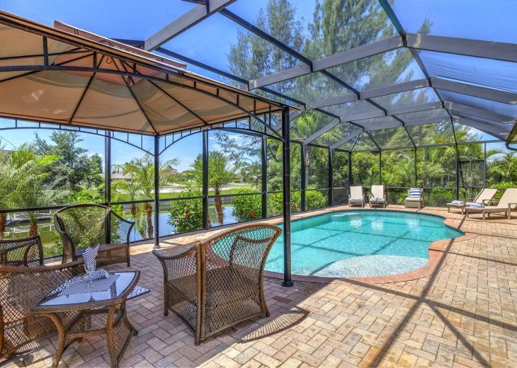 4 Bedroom and 2 Bathroom Home with heated Pool on Water SOUTH FACING #4