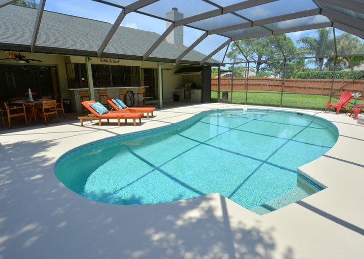 Beautiful, heated pool home close to Stuart Beach and Jensen Beach. #2