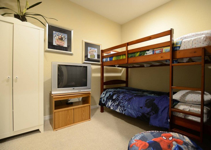 The 5th bedroom with bunk bed