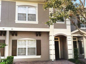1700 Sqft 5br/3ba townhouse with 3 parking spaces.