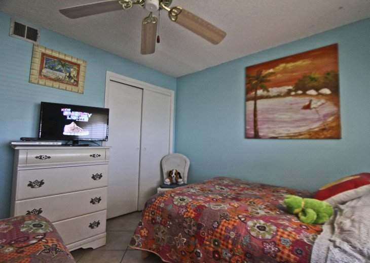 #309 Tropical Suite 2BD/2BA family friendly condo in non-driving beach zone #26