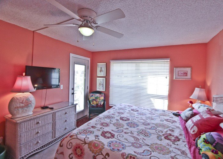 #309 Tropical Suite 2BD/2BA family friendly condo in non-driving beach zone #23