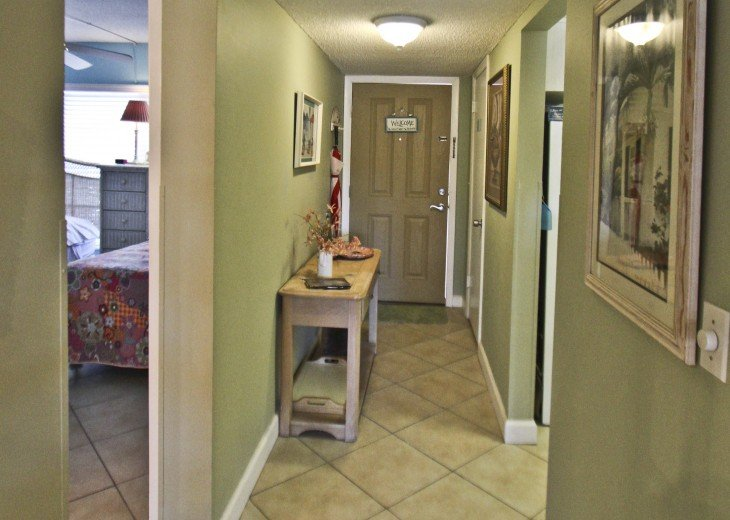 #309 Tropical Suite 2BD/2BA family friendly condo in non-driving beach zone #7