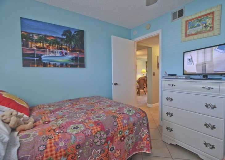 #309 Tropical Suite 2BD/2BA family friendly condo in non-driving beach zone #24