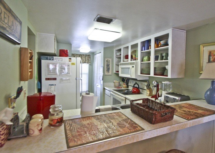 #309 Tropical Suite 2BD/2BA family friendly condo in non-driving beach zone #16