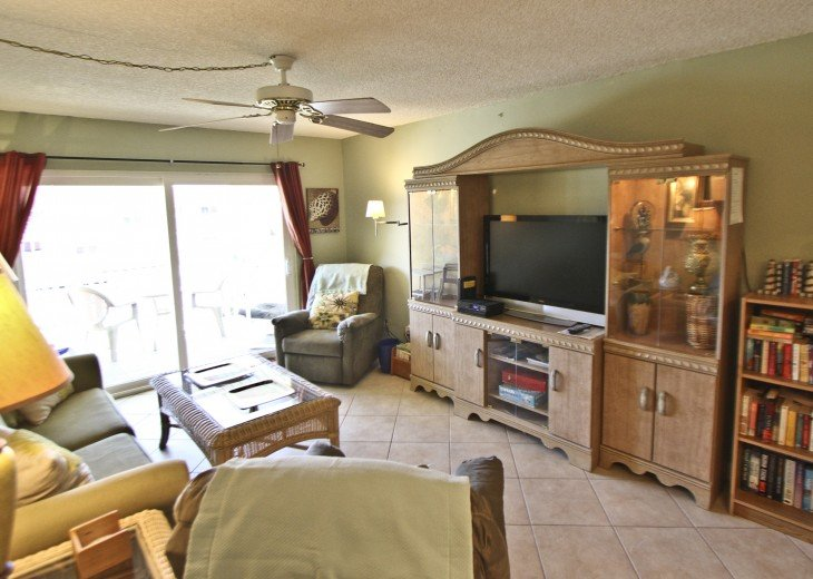 #309 Tropical Suite 2BD/2BA family friendly condo in non-driving beach zone #15