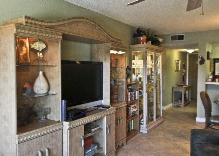#309 Tropical Suite 2BD/2BA family friendly condo in non-driving beach zone #11