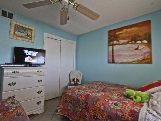 #309 Tropical Suite 2BD/2BA family friendly condo in non-driving beach zone #1