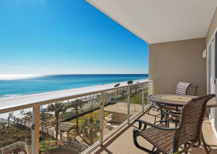 Large 2BDR Beach Front, Free Beach Service, covered parking #27