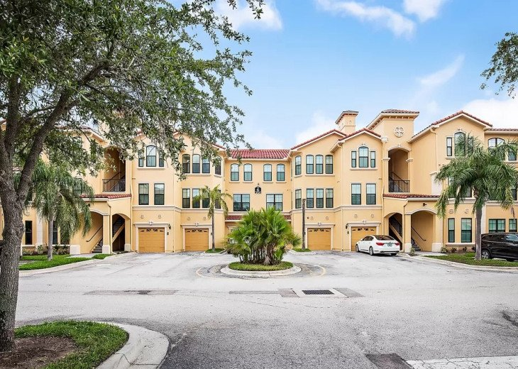 Affordable Luxury -Waterfront- Main Floor -Steps away from Pool and Clubhouse #16