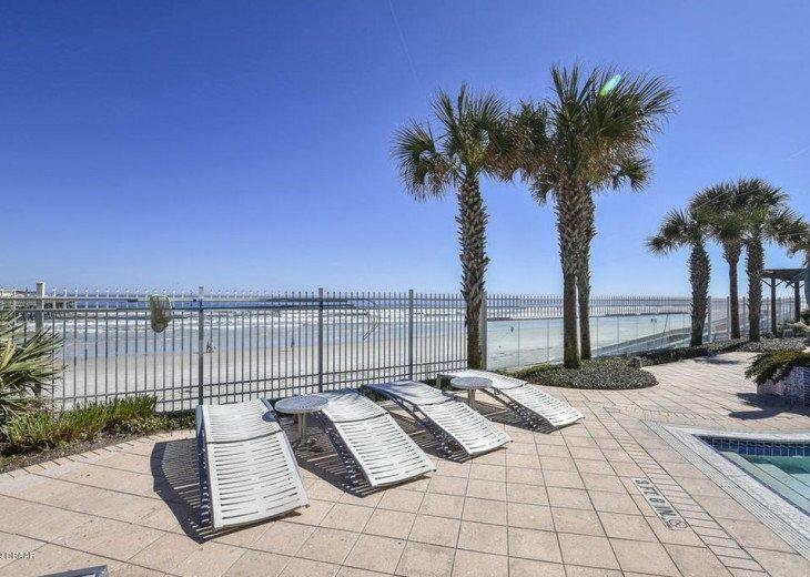 Pool deck sun chairs