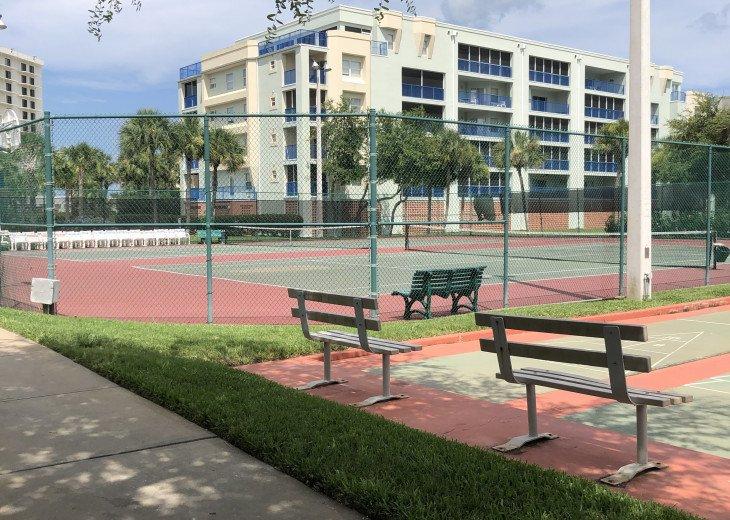 Tennis Shuffle Board