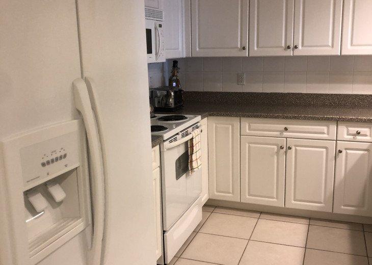 Full kitchen ice maker fridge freezer range microwave dishwasher