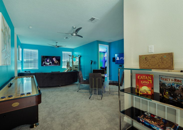 Chic & Modern Luxury w High Tech Arcade Rooms and Private Pool #6