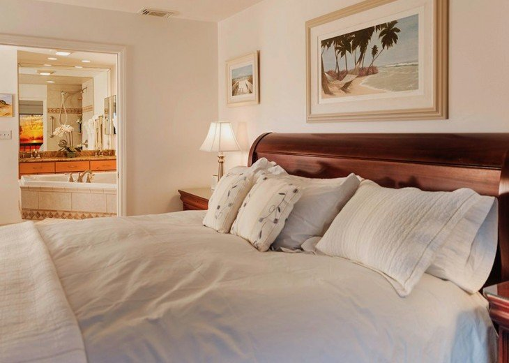 Every Room Fronts the Ocean, 2 King Master Suites, 3 HDTVs, 2 Pools WiFi Tennis #30