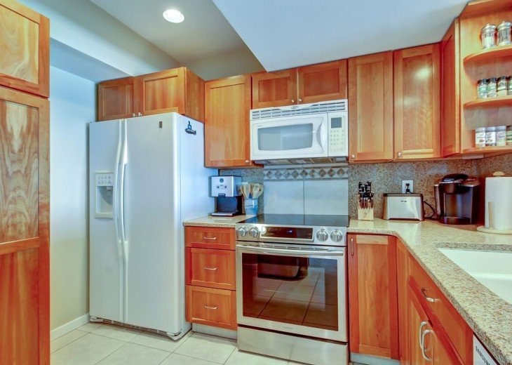 Every Room Fronts the Ocean, 2 King Master Suites, 3 HDTVs, 2 Pools WiFi Tennis #20
