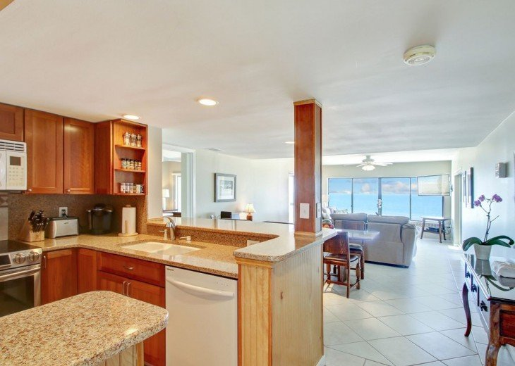 Every Room Fronts the Ocean, 2 King Master Suites, 3 HDTVs, 2 Pools WiFi Tennis #19
