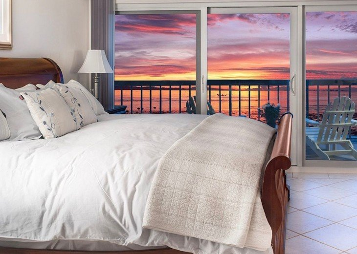 Every Room Fronts the Ocean, 2 King Master Suites, 3 HDTVs, 2 Pools WiFi Tennis #5