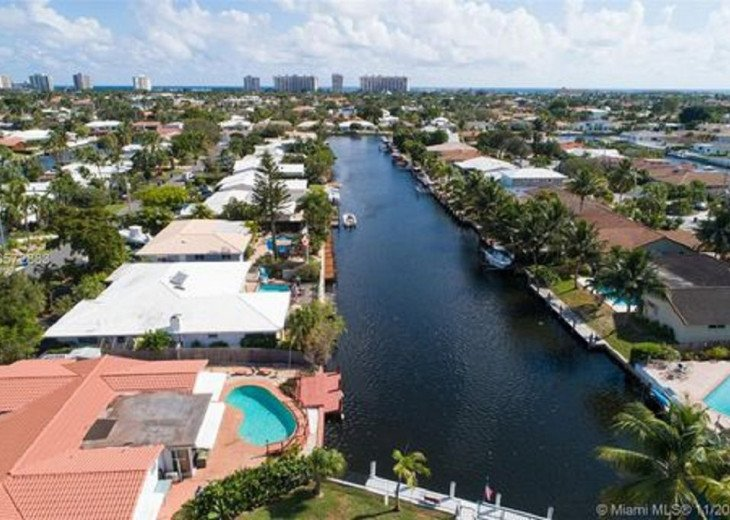Lake estates canal looking to fort Lauderdale beaches