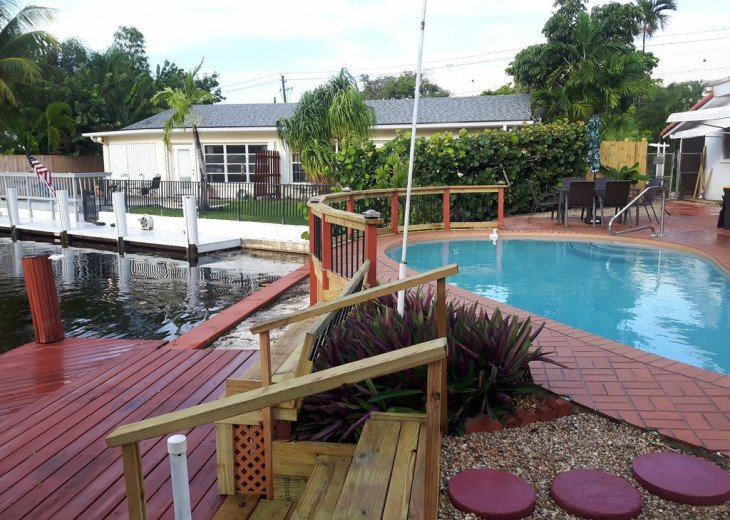 panoramic multi level dock and poolside patio