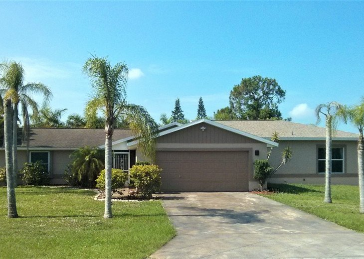 Enjoy the Florida sunshine! Large pool area to dine, entertain or just chill. #2