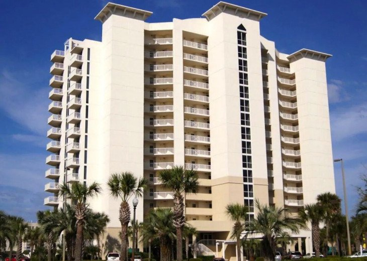 Oceanside condo! Heated pool ! The best location! #3