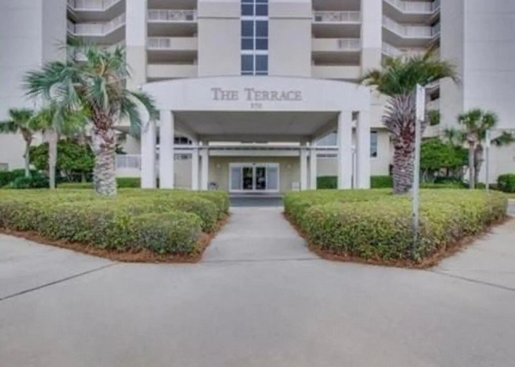 Oceanside condo! Heated pool ! The best location! #4