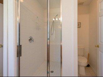 shower in en suite