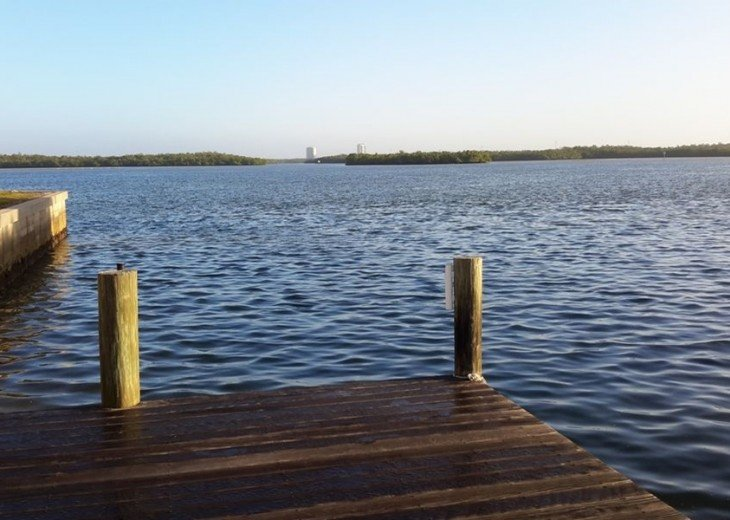 Marco Island Riverfront Oversized POOL, outdoor BBQ area & FISHING DOCK #2