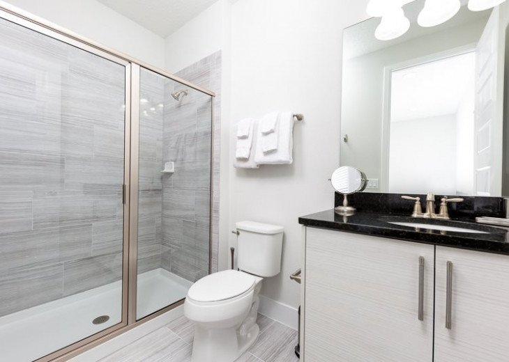 Fairway Comfort | 6 Bedroom 6.5 Bath Pool Villa with Movie Room! #10