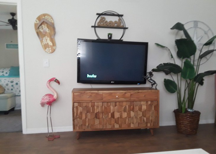 "50 "" screen HD TV"