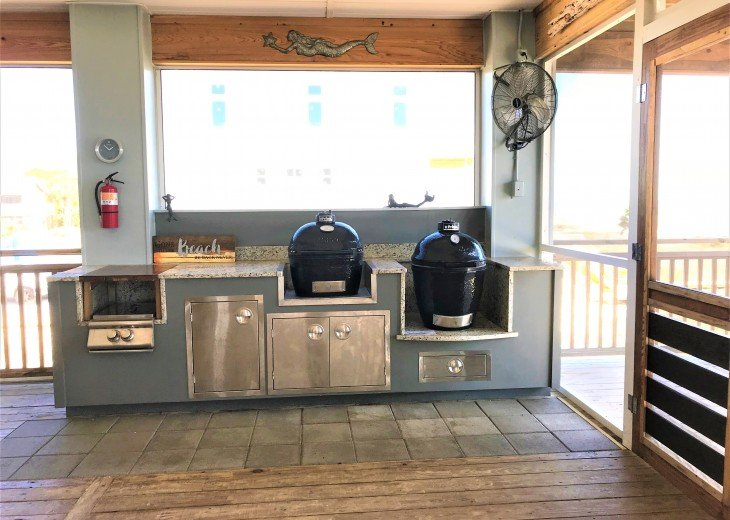 Gulf front w/ panoramic views!!HUGE screened porch & Outdoor kitchen!Beach gear! #22