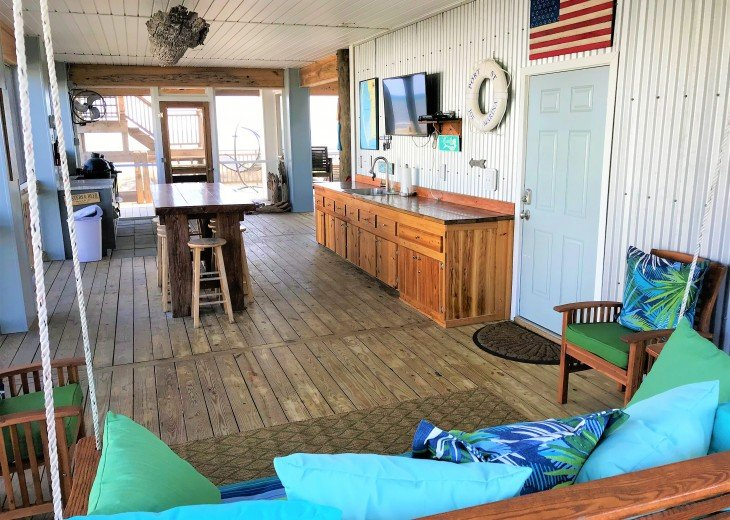 Gulf front w/ panoramic views!!HUGE screened porch & Outdoor kitchen!Beach gear! #24