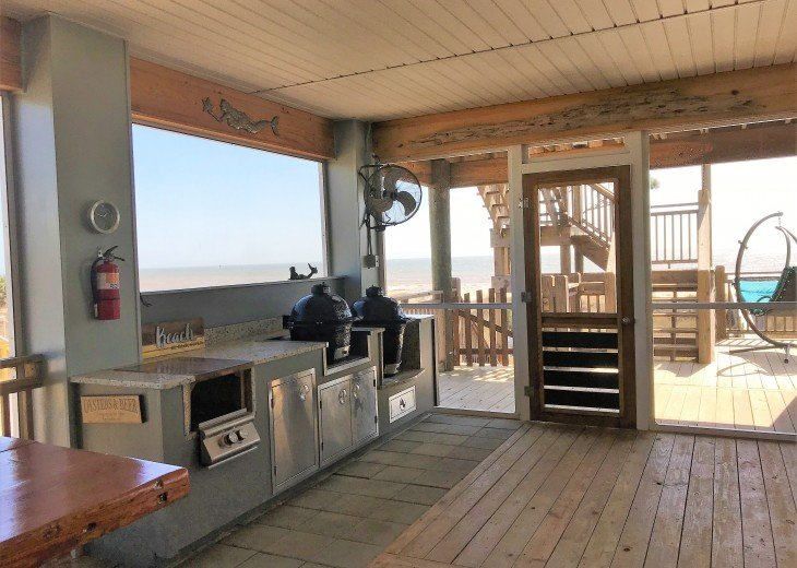 Gulf front w/ panoramic views!!HUGE screened porch & Outdoor kitchen!Beach gear! #21