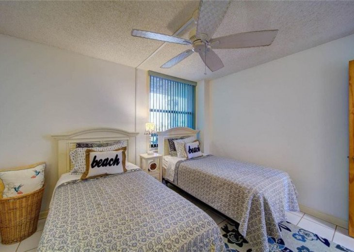 """Steps away from paradise """"Island Crest"""" Oceanview Condo #16"""