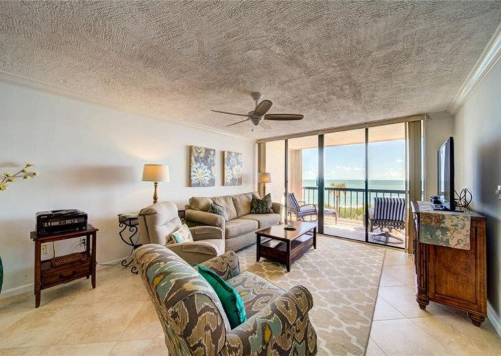 """Steps away from paradise """"Island Crest"""" Oceanview Condo #23"""