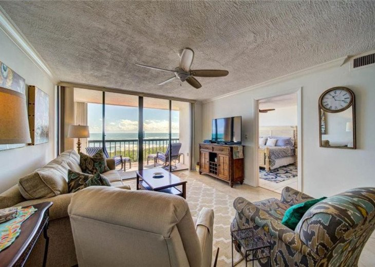 """Steps away from paradise """"Island Crest"""" Oceanview Condo #21"""
