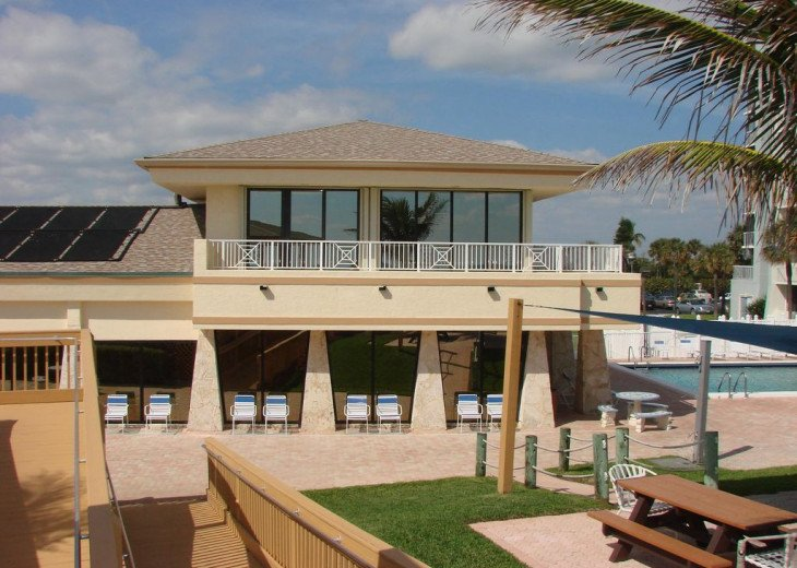 """Steps away from paradise """"Island Crest"""" Oceanview Condo #4"""