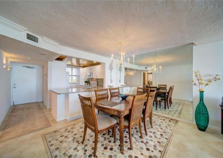 """Steps away from paradise """"Island Crest"""" Oceanview Condo #6"""