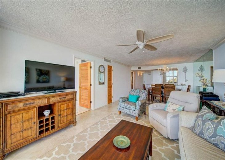 """Steps away from paradise """"Island Crest"""" Oceanview Condo #24"""