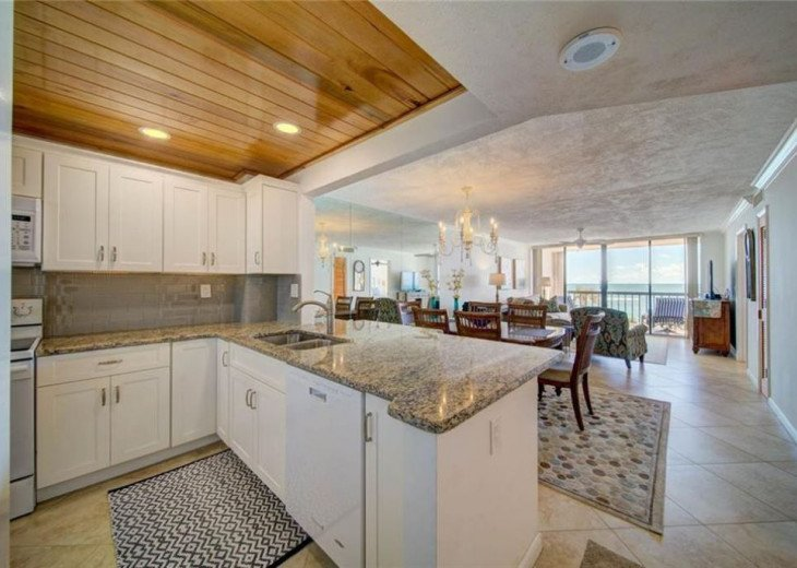 """Steps away from paradise """"Island Crest"""" Oceanview Condo #17"""