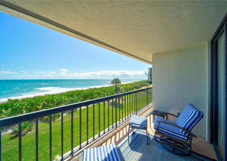 """Steps away from paradise """"Island Crest"""" Oceanview Condo #9"""
